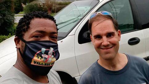 El hostelero que arregla coches en su tiempo libre y los regala a los necesitados