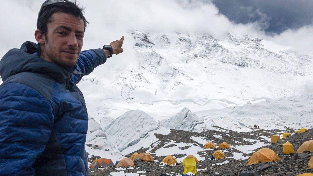 Foto: Kilian Jornet en el campo base del Everest.