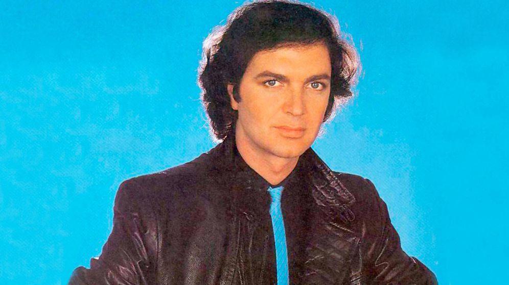 Foto:  Camilo Sesto, en una de las portadas de sus discos.