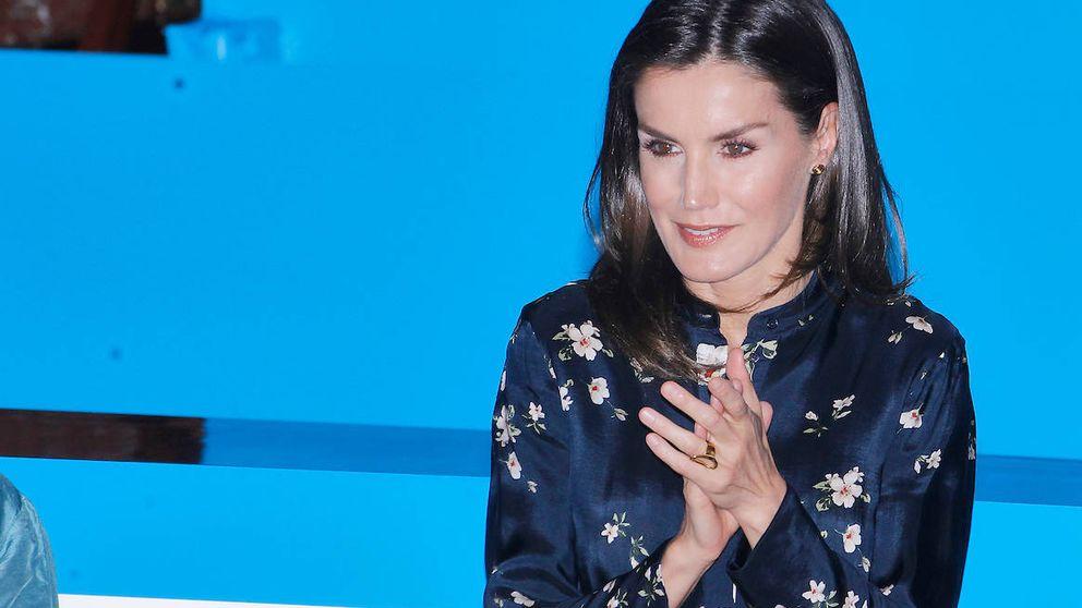 Doña Letizia en los Premios Unicef: de la Reina roja a la Reina azul
