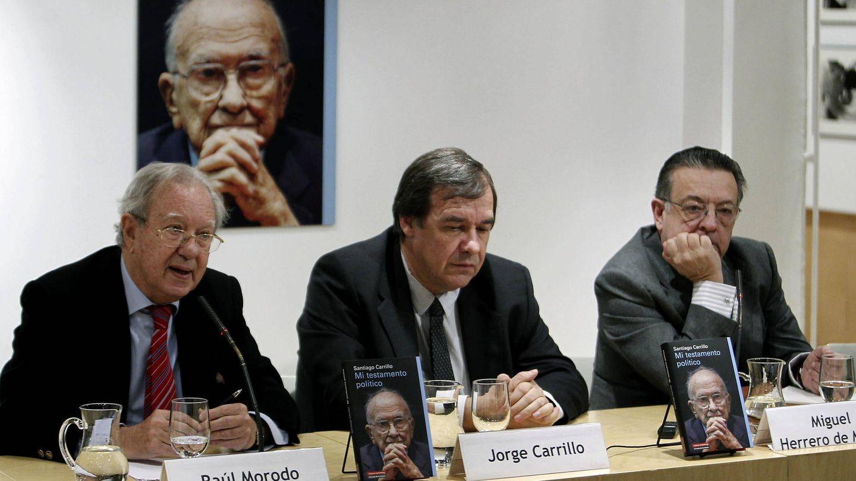 Raúl Morodo, en la presentación de la obra póstuma de Santiago Carrillo 'Mi testamento político', en 2012. (EFE)