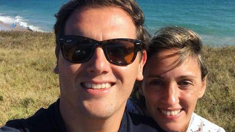 Albert Rivera se pone el bañador y las gafas de sol y se relaja en la costa de Cádiz