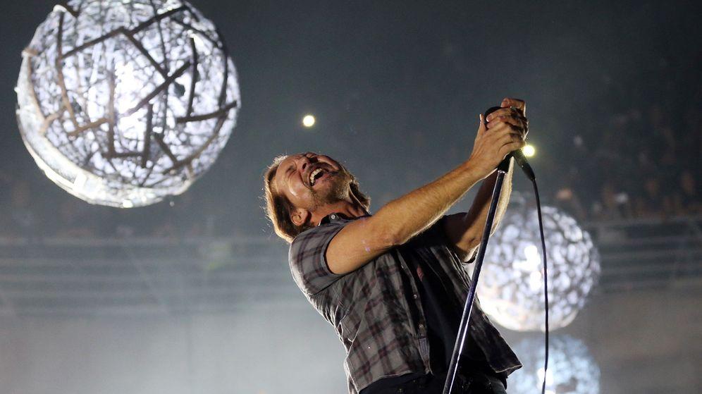 Foto: Eddie Vedder, vocalista de Pearl Jam en un concierto en marzo de 2018 en Santiago de Chile. (EFE)