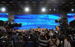 Putin afirma que Rusia saldrá de la crisis en dos años y culpa al exterior