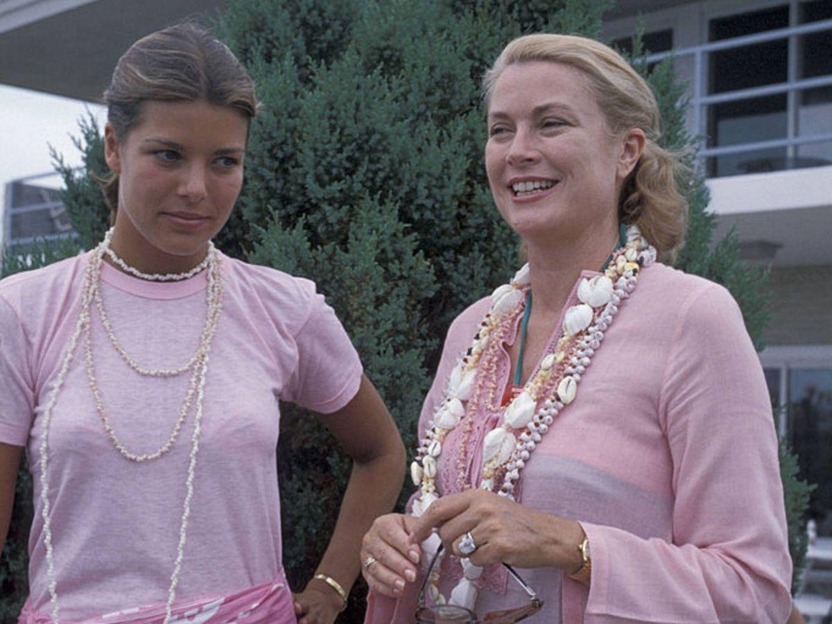 Foto: La princesa Carolina de Mónaco y Grace Kelly, en 1978. (Getty)