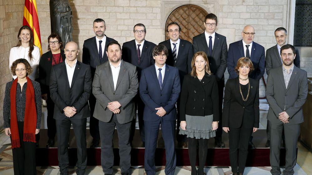 Foto: Toma de posesión del nuevo gobierno catalán. (EFE)