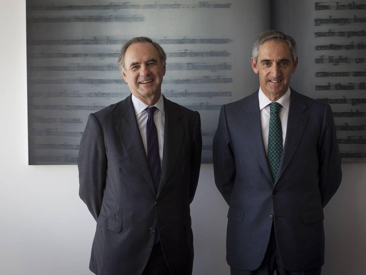 Foto: Luis de Carlos, socio presidente de Uría Menéndez, y Salvador Sánchez-Terán, socio director.
