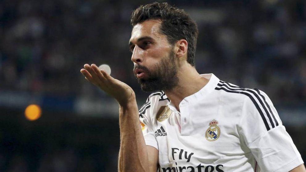 El 'huevazo' de Arbeloa a Xavi y cómo DjMaRiiO entra al vestuario del Real Madrid