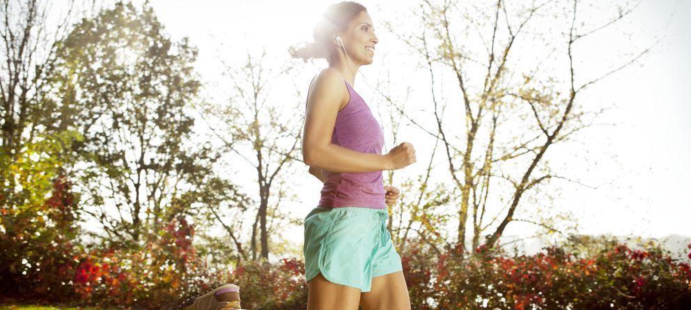 Foto: La OMS recomienda realizar 30 minutos de actividad física a intensidad moderada de forma diaria. (Corbis)