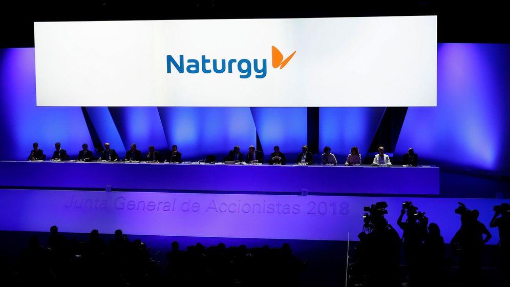 Foto: Momentos de la Junta General de Accionistas de Gas Natural Fenosa que ha adoptado un nuevo nombre, Naturgy. (EFE)
