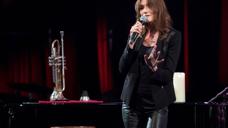 Carla Bruni, en uno de sus conciertos. (EFE)