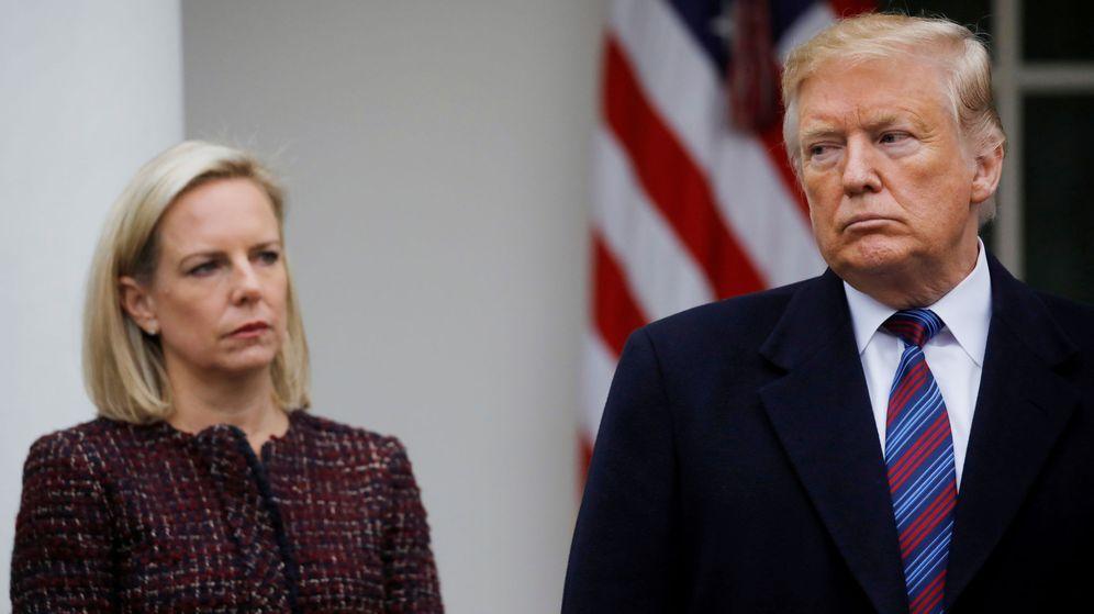Foto: Nielsen (i) y Trump (d). (Reuters)