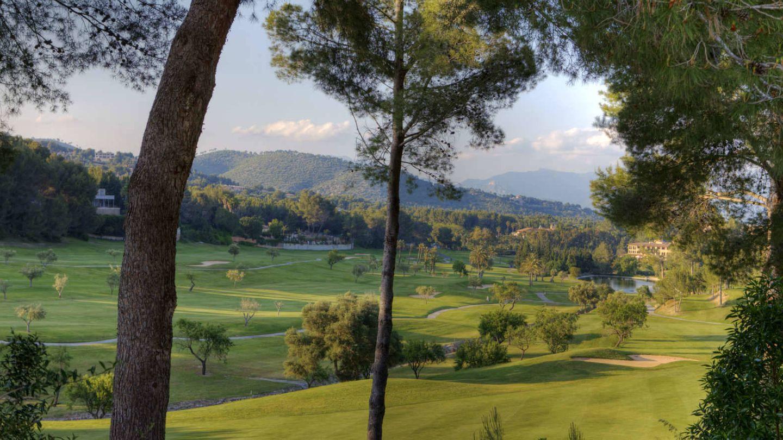 El campo de golf del hotel Son Vida, puramente mediterráneo.