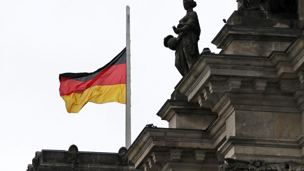 Foto: Bandera de Alemania en el Reichstag (Efe)