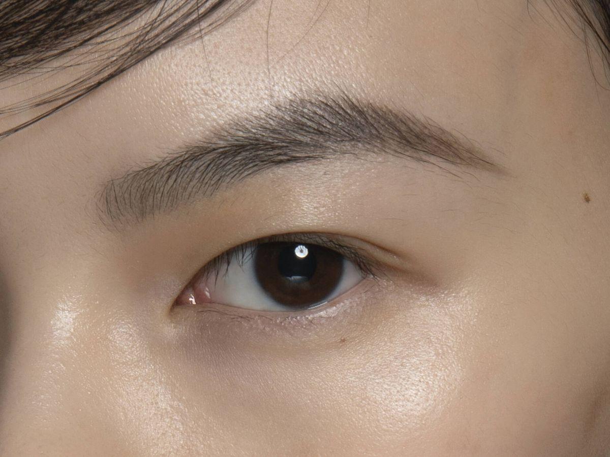 Foto: El brow lamination permite alisar la ceja de forma permanente. (Imaxtree)