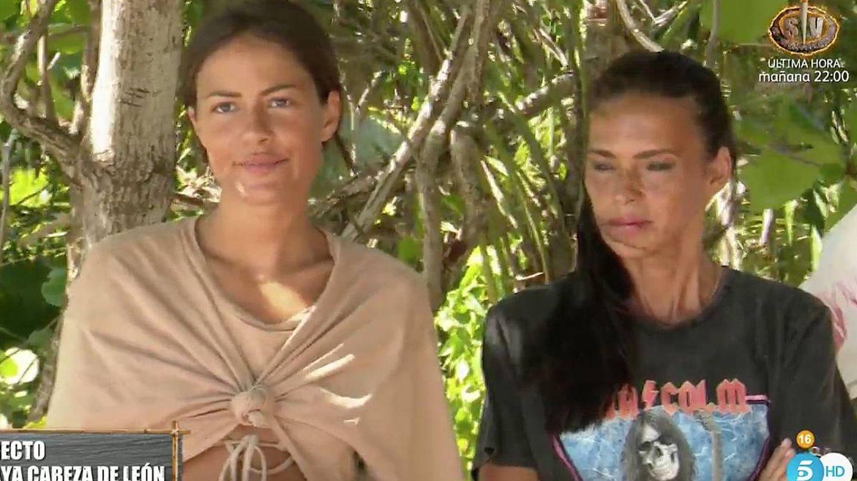 Melyssa Pinto y Olga Moreno, en 'Supervivientes'. (Mediaset)