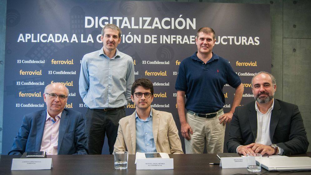 Foto: Mesa redonda 'Digitalización aplicada a la gestión de infraestructuras', con Javier de la Ossa (Sadako), Antonio Polo (Drivesmart), Alberto López-Oleaga (Ferrovial) y Miguel Rosa (Aerotools). (Carmen Castellón)