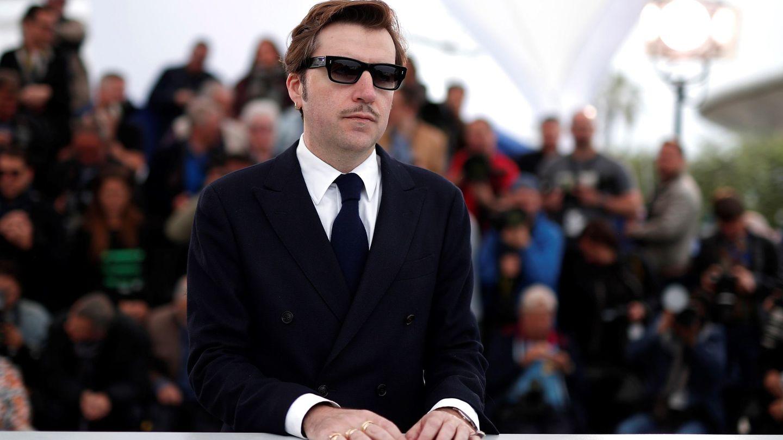 Albert Serra en el photocall de 'Liberté' en Cannes. (Efe)