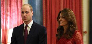Post de Kate Middleton, un bálsamo para Isabel II: sustituyéndola y brillando de rojo