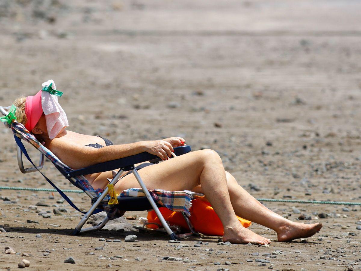 Foto: Una turista en Gran Canaria. (Reuters)