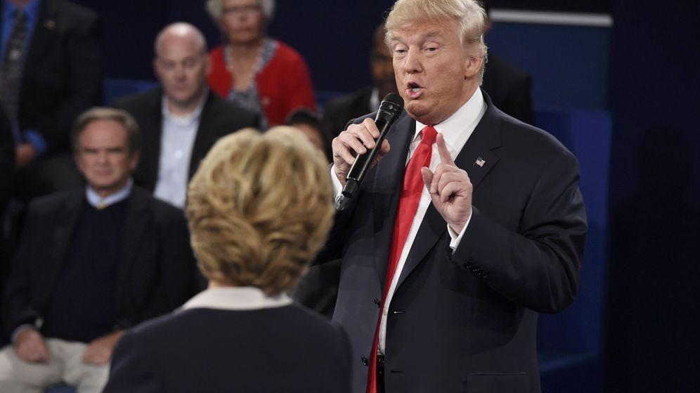 Foto: El candidato republicano a la Casa Blanca, Donald Trump, responde a la demócrata Hillary Clinton. (Reuters)
