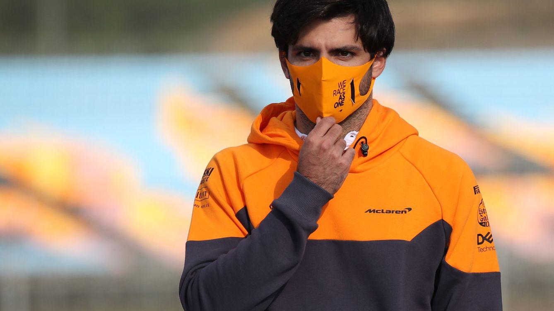 Foto: Carlos Sainz ya sabe que no podrá probar el Ferrari en 2020, con lo que supone para su preparación (EFE)