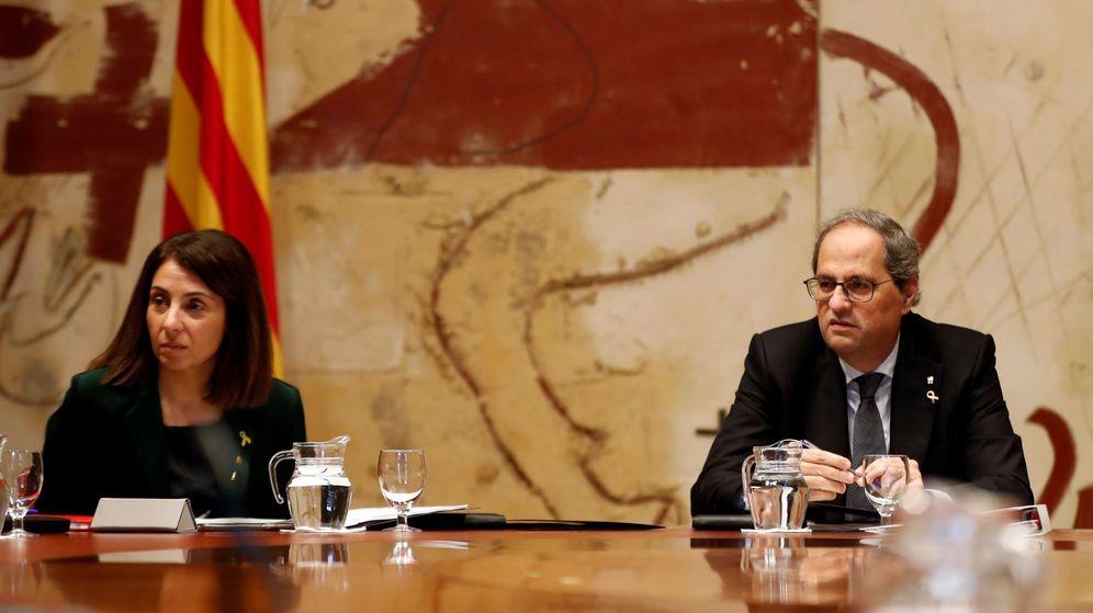 Foto:  El presidente de la Generalitat, Quim Torra, acompañado la consellera de la Presidencia y portavoz del Govern, Meritxell Budo. (EFE)