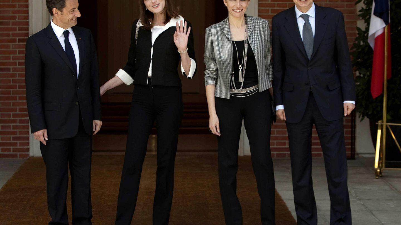 Zapatero junto a Espinosa en una visita oficial de Nicolas Sarkozy y Carla Bruni. (Getty)
