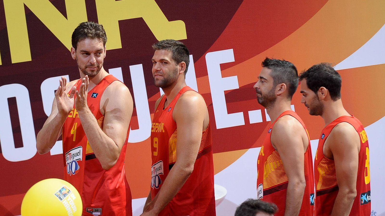 Foto: Pau Gasol, Felipe Reyes, Juan Carlos Navarro y José Manuel Calderón antes de la Copa del Mundo de 2014 celebrada en España. (Gtres)