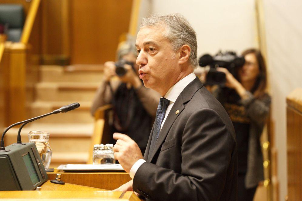 Foto: Urkullu en un pleno de control en el Parlamento Vasco. (EFE)