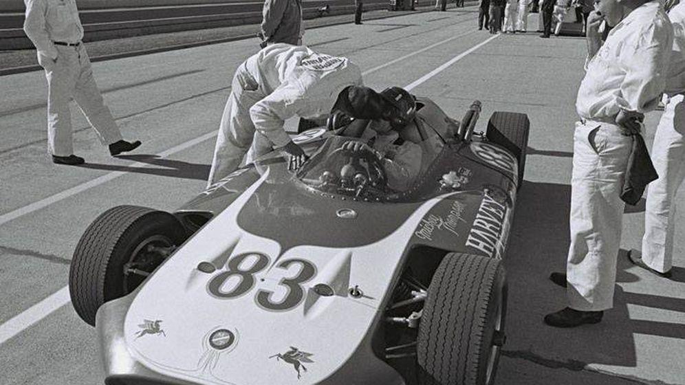 Foto: Graham Hill, único piloto de la historia que ostenta la Triple Corona del Automovilismo (Wikipedia)