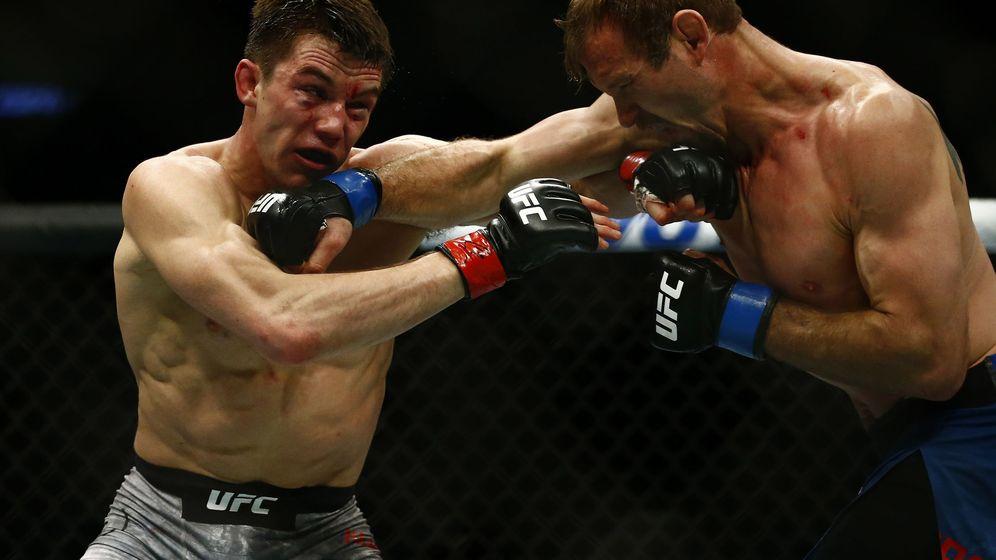 Foto: Donald Cerrone y Alexander Hernández protagonizaron una de las mejores peleas del año. (USA TODAY)