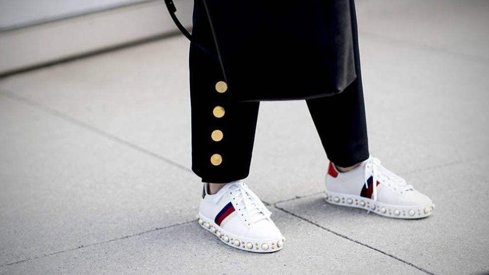 16 zapatillas blancas que son cualquier cosa menos aburridas