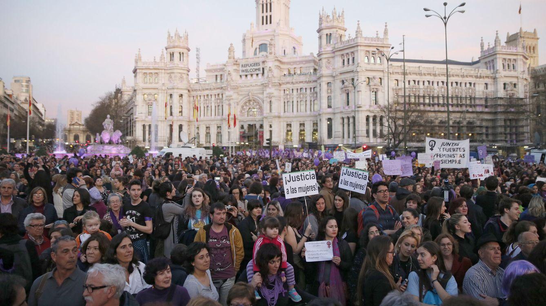Foto: Un momento de la manifestación por el Día de la Mujer en Madrid. (EFE)