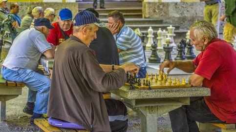 Esta es la edad en la que serás mejor jugando al ajedrez, según los expertos