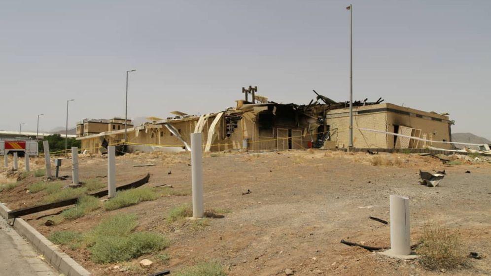 Foto: Una imagen del edificio derruido después de un incendio en la planta nuclear iraní de Natanz. (Reuters)