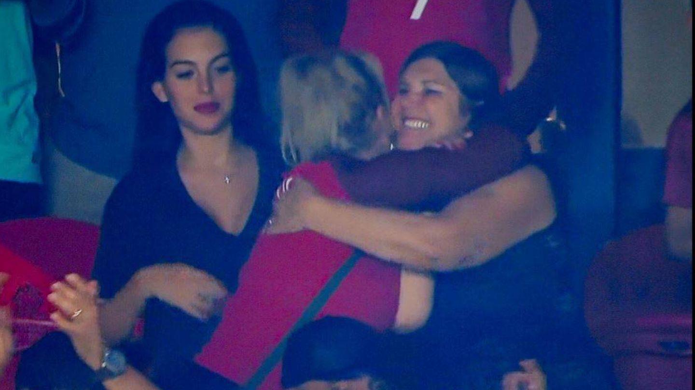 Georgina, Dolores y Katia Aveiro.