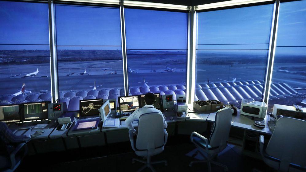 Foto: Torre de control aéreo del Aeropuerto Adolfo Suárez Madrid-Barajas. (EFE)