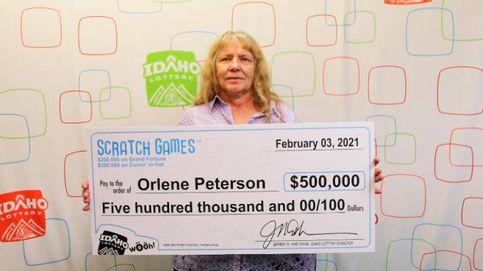 Una mujer gana la lotería y, al día siguiente, le vuelve a tocar