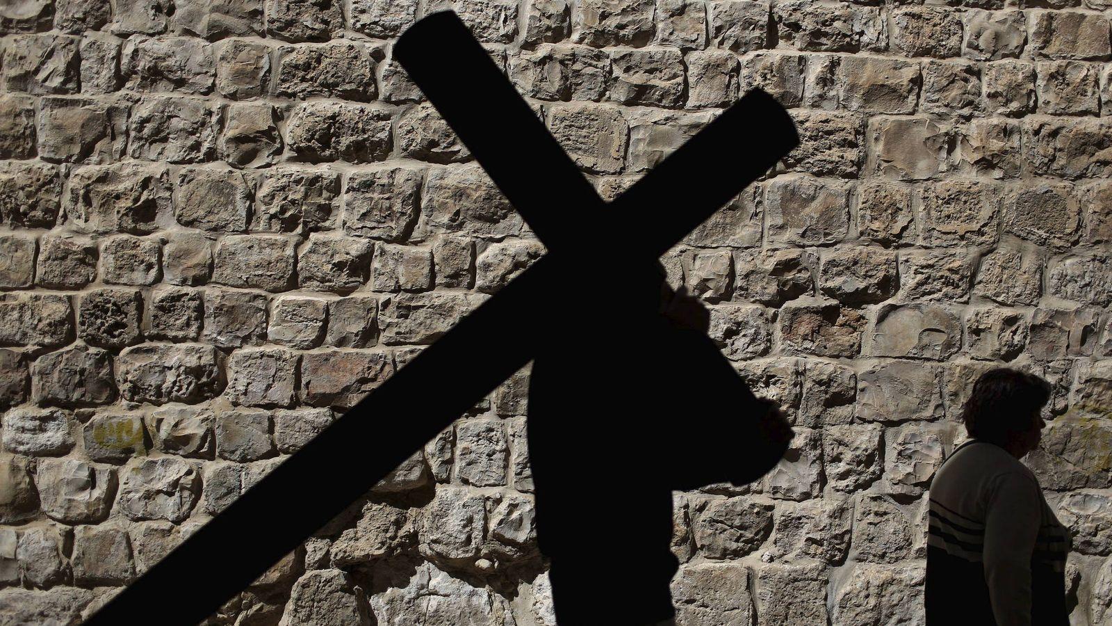 Foto: Durante la jornada de hoy se celebra la Exaltación de la Santa Cruz. (EFE)