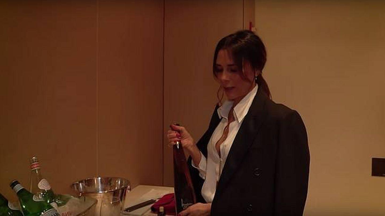 El (muy caro) tequila de Victoria. (Youtube)