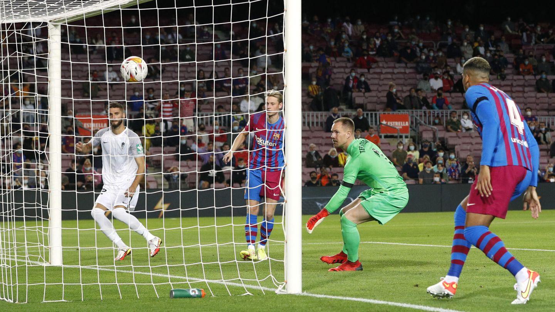 Duarte marca el 0-1 sin oposición. (EFE)