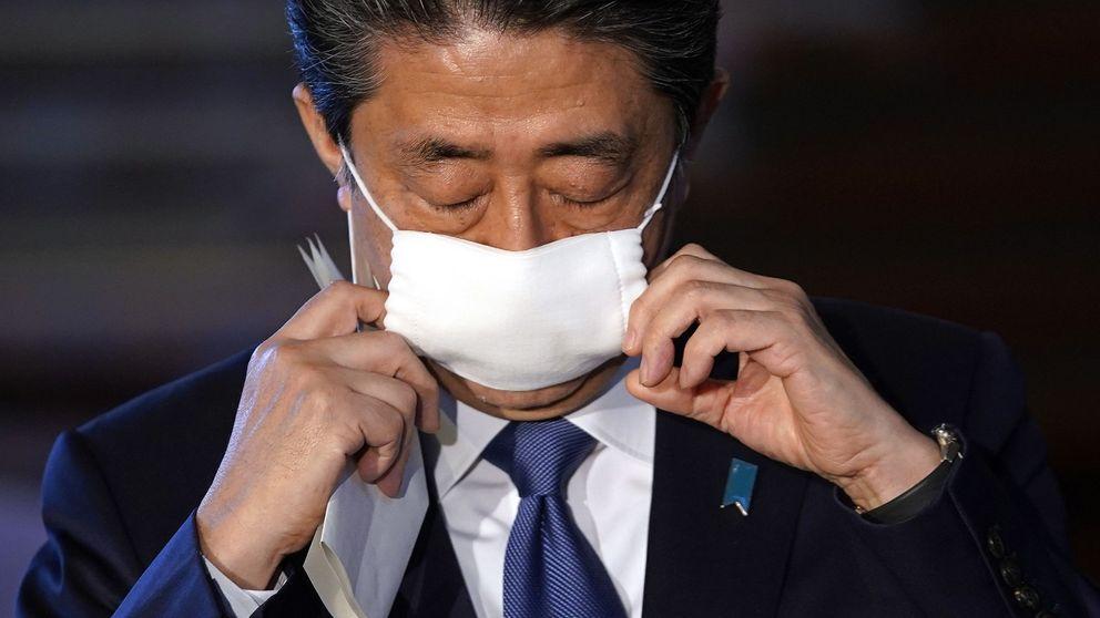 El fiasco de las mascarillas gratis para todos en Japón que convierte a Abe en un meme
