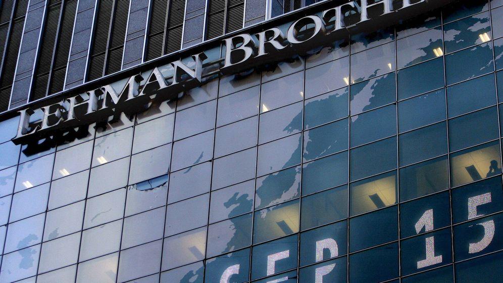 Foto: Foto de la fachada de Lehman Brothers, el banco que desencadenó la crisis de 2008 (Efe)