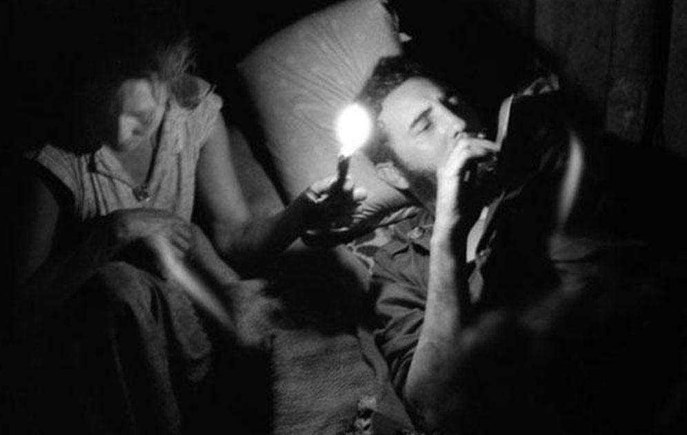 Foto: Fidel Castro retratado en Sierra Maestra por Enrique Meneses