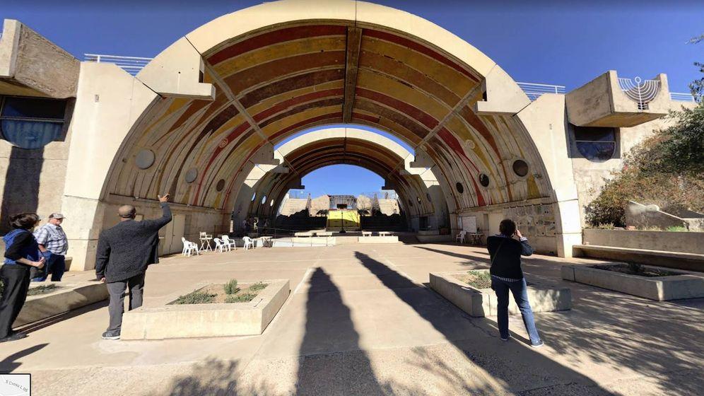 Foto: El arco de Arcosanti, el edificio más famoso de la ciudad. (Google Maps)