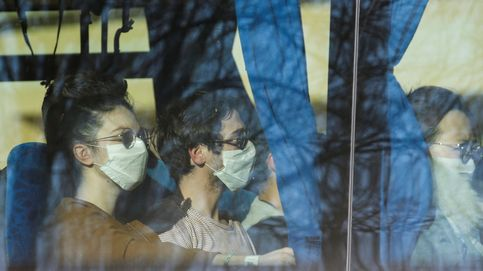 Corea del Sur 'fumiga' a los evacuados de Wuhan
