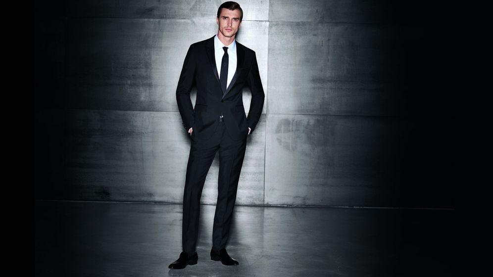 Foto: Del traje al esmoquin. Comienza el año con buen pie ataviado con alguno de estos looks. (Foto: Hugo Boss)