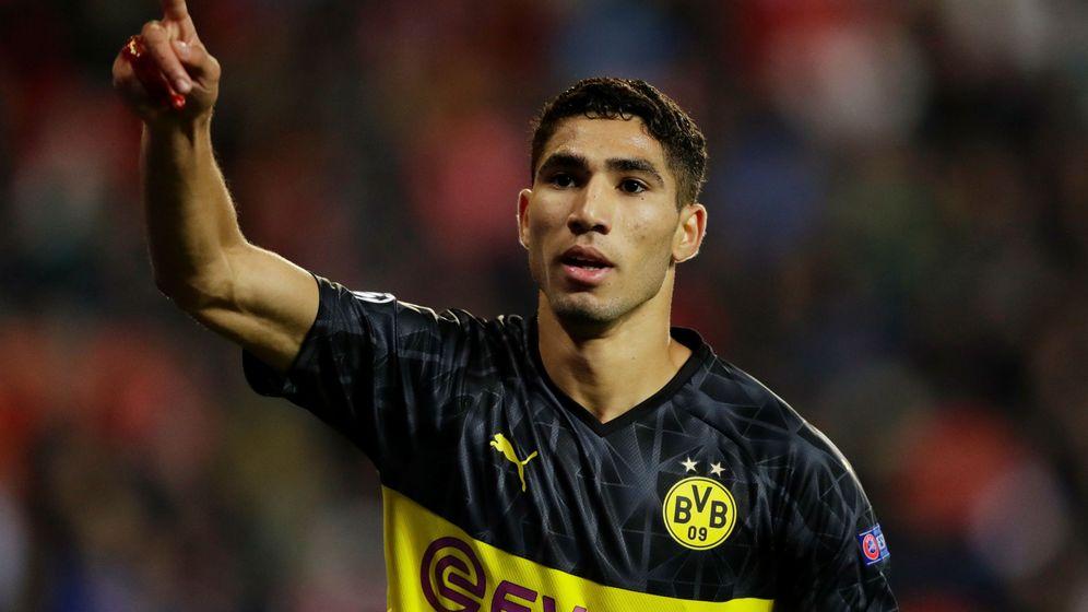 Foto: Achraf Hakimi celebra un gol con el Borussia Dortmund. (EFE)