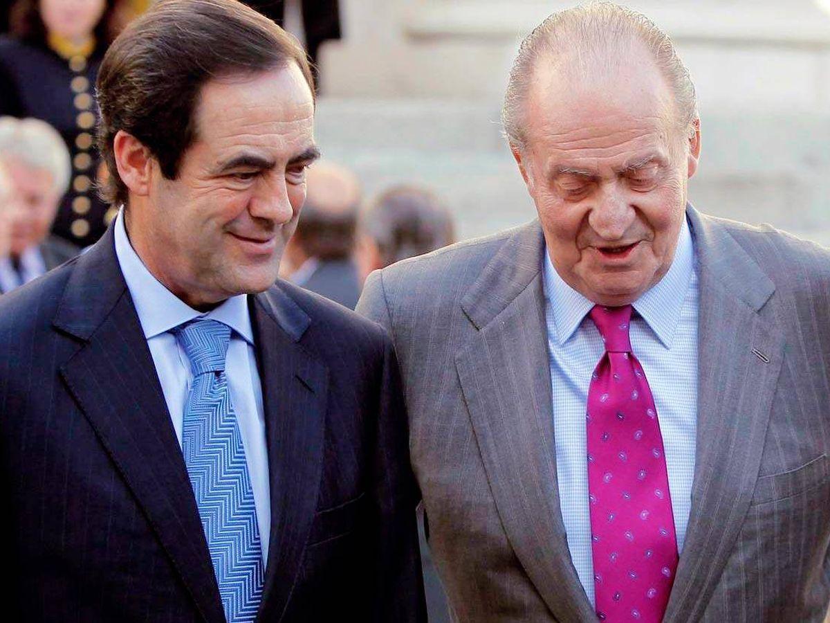 Foto: José Bono y el rey Juan Carlos, durante un acto. (EFE)